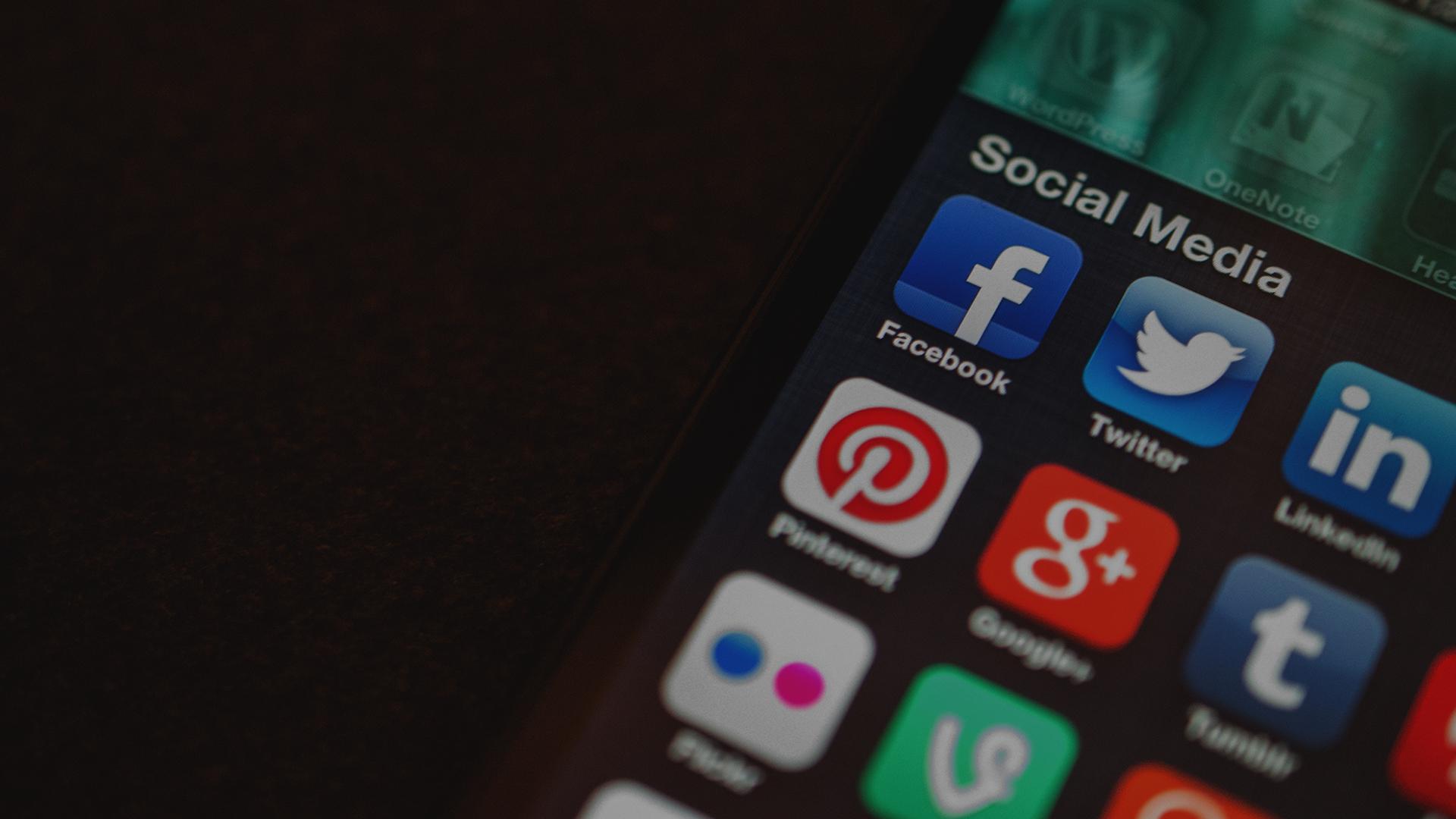 Közösségi média tartalmak kezelése